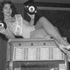 Vintage Cool by Radio 1 Prague & Tea Jay Ivo no.36.