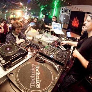 Luka Jakir e-MOTION 10 Guest Mix @ Proton Radio - PlayFM