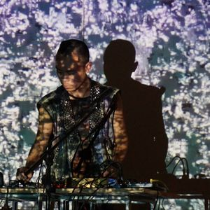 Samin Son Live as part of SSYZAV 18 May 2015 at Plateau Gallery, Greenhouse, Berlin