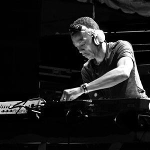 Jeff Mills - Sonar 2005, Barcelona - 06-18-2005