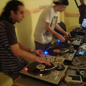 Dj Limun & Mack @ Groovy Gravy Radio 9.06.2011