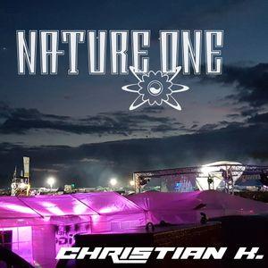 Christian K at Nature One 2016 YELLOW BALLON thanksgiving