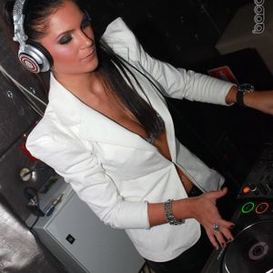 Dj Miki Love @ Dance Fm 13 Ianuarie 2012