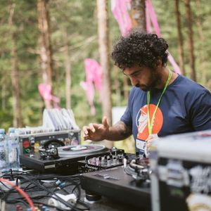 Mountain Music Fest 2019   Vinyl Stage   Guest mix by DJ IRon