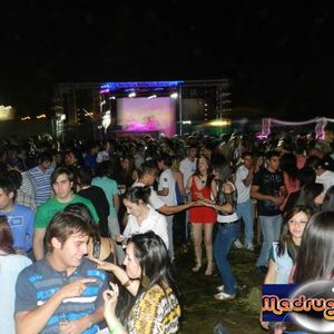 "SET JUNIO ""B"" 2011 / 94.9 BRAVA & DIONISIO DANCE"