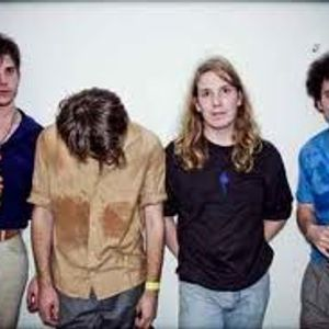Tues 08/02/11 The Vaccines/Pete & the Pirates and The Vinyls live.