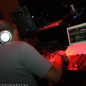 Ishh Touch (I-touch) mixed by douglas fuentebella dollentes a.k.a. dj brown (sept. 25, 2011)