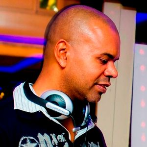 'Gussie' Covering For Raj Seli ' Soulfuly Yours' Solar Radio Thursday Night Show: 23rd July 2015