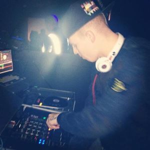 @DJRUSSKE - HipHop/R&B & Deep House M1X Part 2(PROMOTIONAL USE ONLY)
