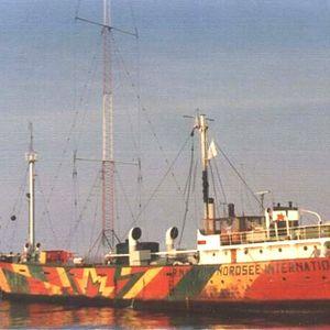 Radio Northsea ( Mebo II ) in Moeilijkheden Brand aan boord 15 05 1971