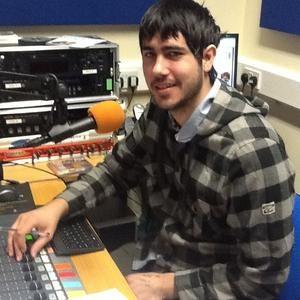 Daniel Pile Show 1 On Lache FM 2-3pm 18/10/2012