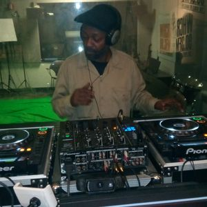 House in Harlem with pt2 of DJ Chris Perry in the mix