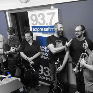 Russell Hill's Country Music Show on Express FM feat. Russ Hibberd & The Factory Five. 04/11/18