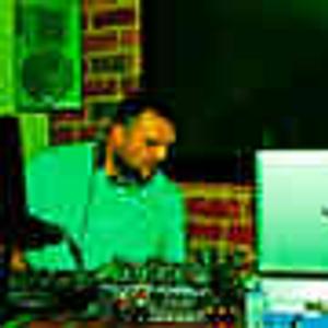 Saturday Night DJ Robbed Live
