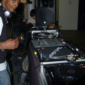 DJ Bugg - Tribute to the Mighty Amen mix Aug 05