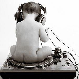 DJ LEZKANO- LUNES 6-10-15.