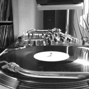 Exclusive live on Vinyl sessions Dany DEE_ B2B_ Mario Bros In the History of House Music 2004-2014