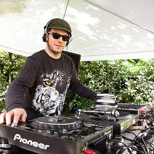 Shir Khan Liverecording-DJ-Club-Warmup-Set: 8.10.11