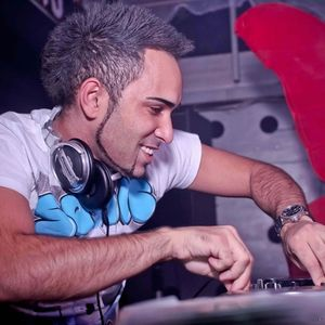 DJ FERNANDO MASH UP MAY 2012 SUMMER IS COMING