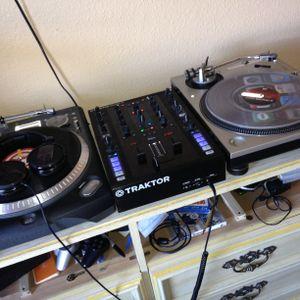 DJ Omar Straight Chilling!