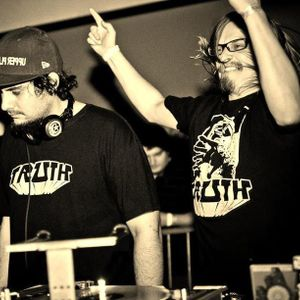 Truth featuring LX One (Aquatic Lab, Disfigured Dubs) @ Rinse.fm 106.8 FM - London (17.09.2012)