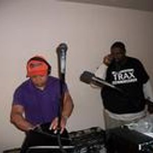 Dj's Trickmaster E & T Rock..OOPS Something Did Not Go Right!..Live Mix Session.