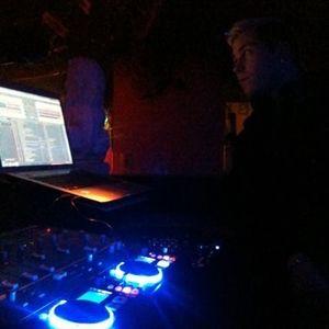 Test Mix No DJ Controller and No Headphones