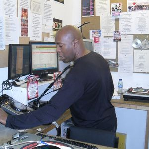 Thundering Vibration On Supreme FM Radio London With Reggae Twins And Host RS Digital