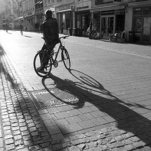 """Konkurss """"Draudzīgs velosipēdistam!"""" rosina gādāt par drošām velonovietnēm"""