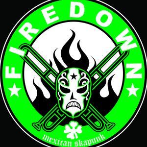 Tripulación Hertz entrevista a Firedown programa transmitido el día 05 10 2011 por Radio Faro 90.1 F