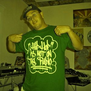 12-04-11 HipHop Philosophy Radio - LIVE - Featuring DJ K Ozz in the mix!