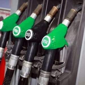 Par naftas cenām pasaulē un Latvijā