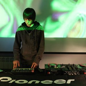 ELECTRO PIONEER DJ KIDS - SESIÓN CÓMIC 2011
