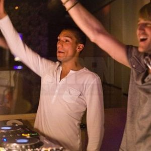 Ibiza in the Groove mixed by Dadge & Dholakia May '11