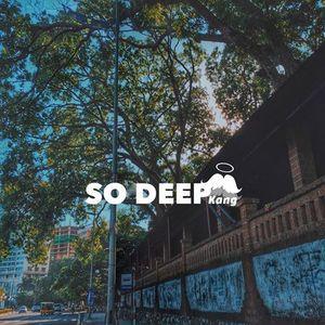 Deep nằm ngoài biển ngheee.