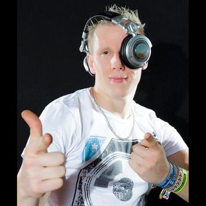 NicBee live @ Techno4Ever.Fm Club Stream Friday 01.06.2012 10pm-12pm