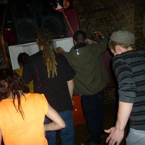 Utopia & Divergence live @ The Crypt 08/06/2012 (Oldskool Breaks)