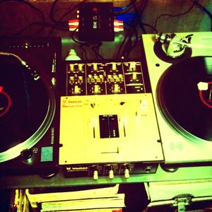 DJ Form Winter Warm Up Hip-Hop Mix 11/16/11