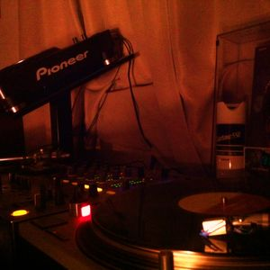 Non-stop Mix Playing With Soulful Masterpiece