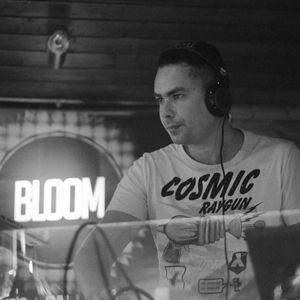 vonCHRIS-Bloom live DTS Deep mix
