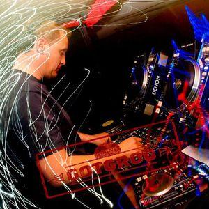 DJ CharlieP - Happy House mix May 2006