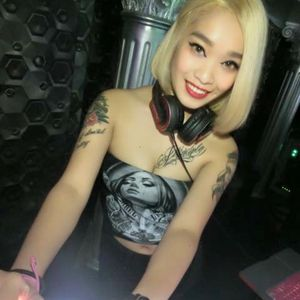 2015 12 04 DJ UNA Of JR music studio Twerk,Trap