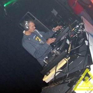 DJ. Trixy - Makina Mania Live On Hardcore Networks Radio Dec 2005