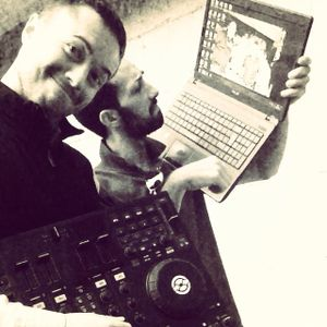 (Live DJ Set)A live selection of Deep DeepHouse Indie TechHouse IndieHouse By MikyT & TonyEsse