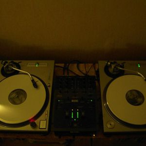 DTL radioshow 10-10-23 DJ Full Contact