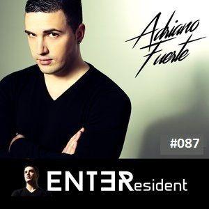 ENTƎResident: Adriano Fuerte 087