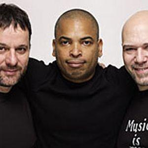 Joe Claussell & Frankois Kevorkian & Danny Krivit Live AOL B&S 24.11.2002 cd4
