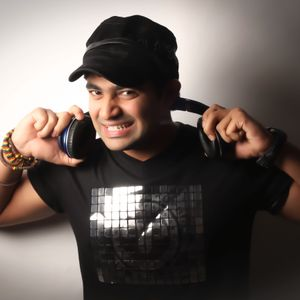 DJ Sumeet & Anish Percussionist Live