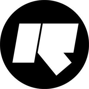 Rinse FM 25/12/09 - DJ Spyro B2B DJ Mak10