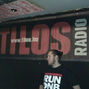 Savage + MC Fantom - Radio Tilos Remiz 20110605 Dubstep Kiddin 3.